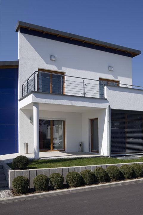 contemporary prefab home